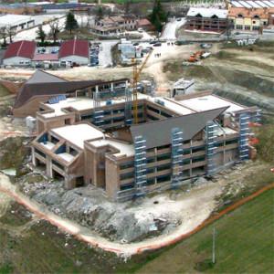 2002 – Camerino, complesso scolastico e sportivo